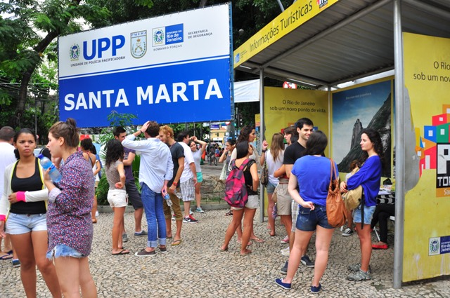 Tourist information en la entrada de la favela