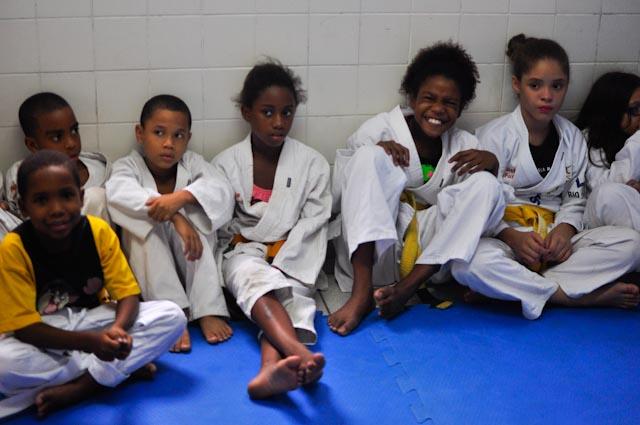 Aula de karate en la central de la Policía Pacificadora de Dona Marta