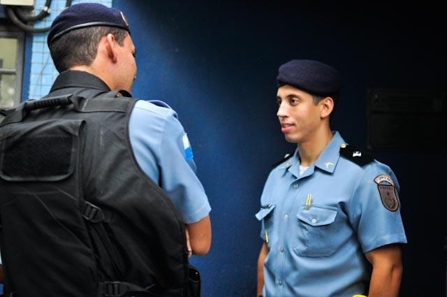 El teniente Gabriel, con tan sólo 23 años, es el jefe de la UPP de Dona Marta