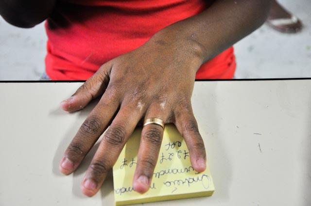 """Andréia: """"Mira mi mano, por aquí pasó una bala perdida"""""""