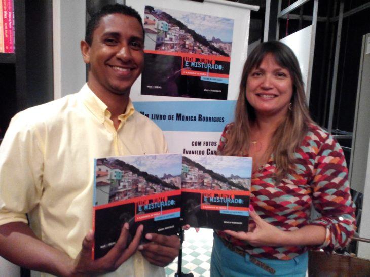 Con Ivanildo Carmos, el autor de las fotos